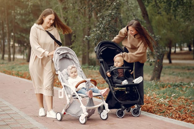 walking outdoors helps calm crying babies